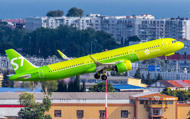 VQ-BDI - S7 Airlines Airbus A321 NEO