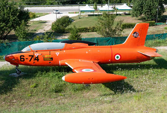 MM54194 - Italy - Air Force Aermacchi MB-326