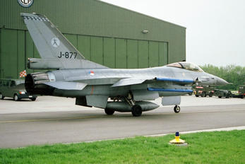 J-877 - Netherlands - Air Force General Dynamics F-16A Fighting Falcon