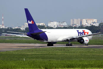 N101FE - FedEx Federal Express Boeing 767-300F