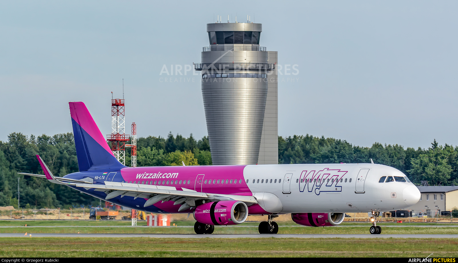 Wizz Air HA-LTA aircraft at Katowice - Pyrzowice