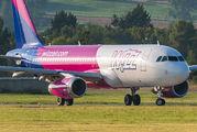 HA-LYZ - Wizz Air Airbus A320 aircraft
