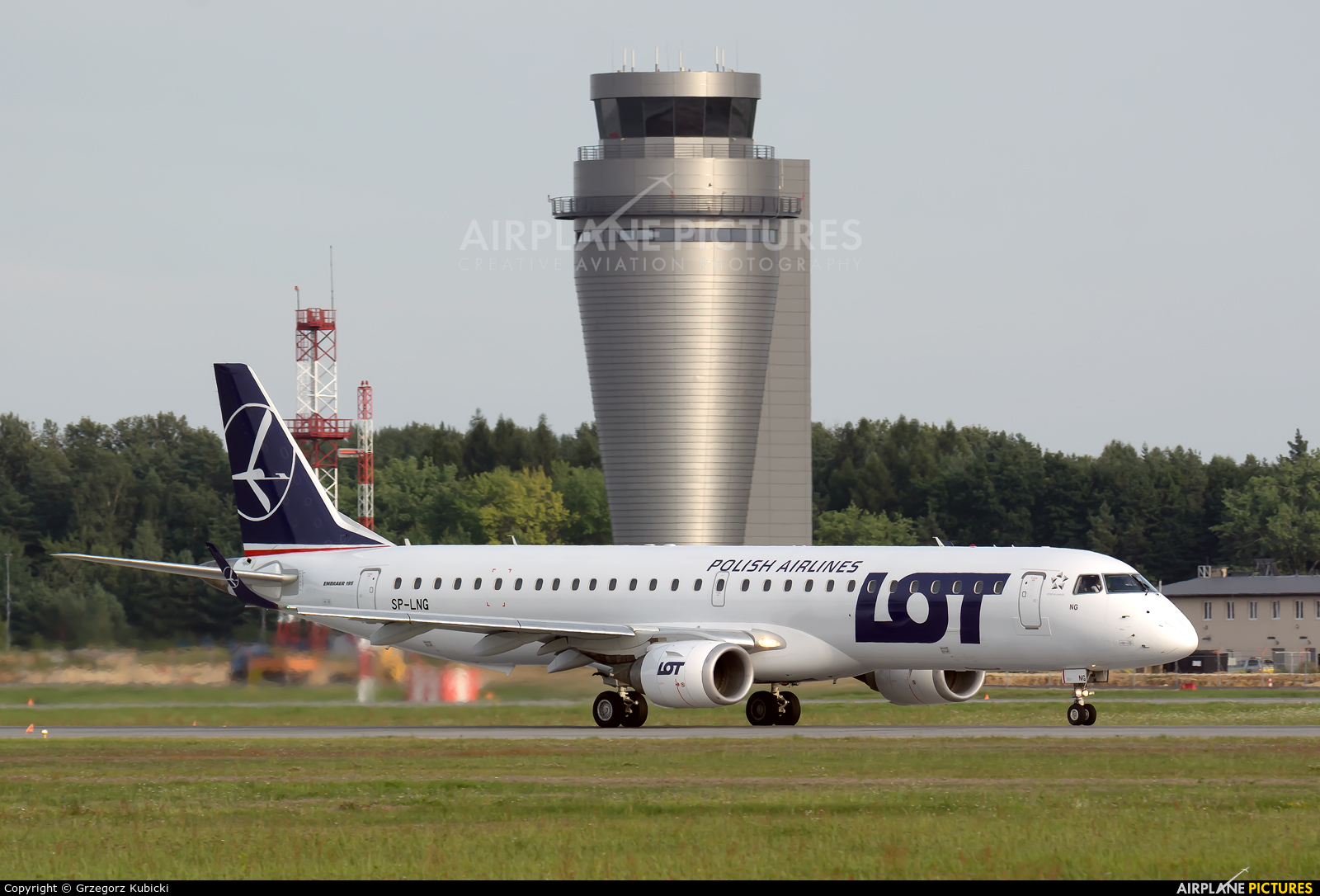 LOT - Polish Airlines SP-LNG aircraft at Katowice - Pyrzowice