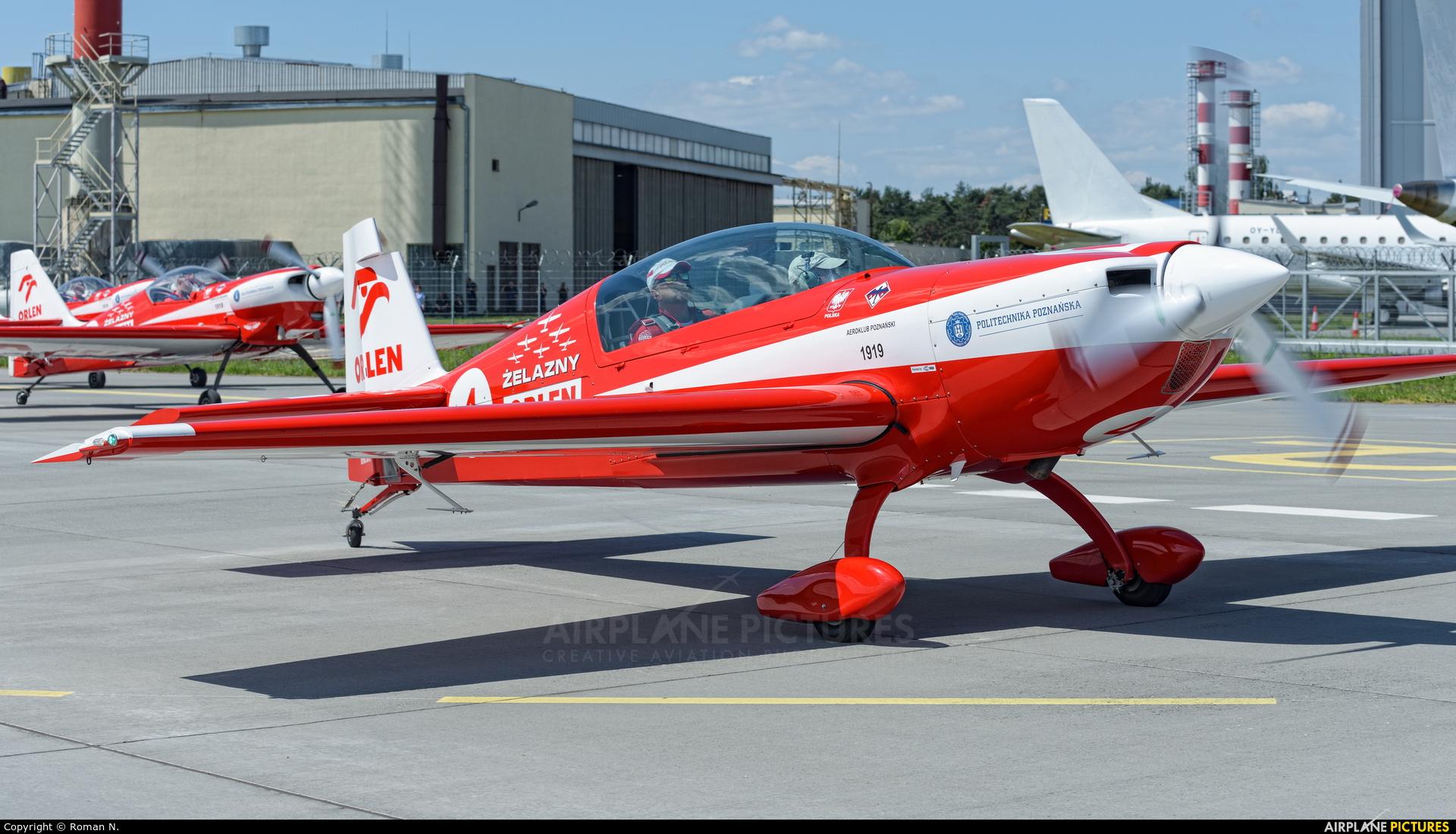 Grupa Akrobacyjna Żelazny - Acrobatic Group SP-UTA aircraft at Bydgoszcz - Szwederowo