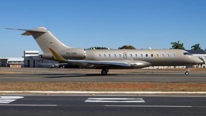 PS-UQN - Private Bombardier BD-700 Global 6000