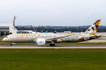 A6-BLI - Etihad Airways Boeing 787-9 Dreamliner