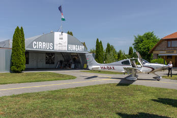 HA-BAX - Untitled Cirrus SR22T