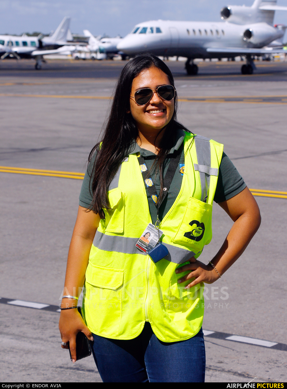 - Aviation Glamour - aircraft at Cancun Intl