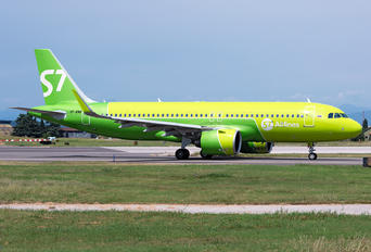VP-BWB - S7 Airlines Airbus A320 NEO