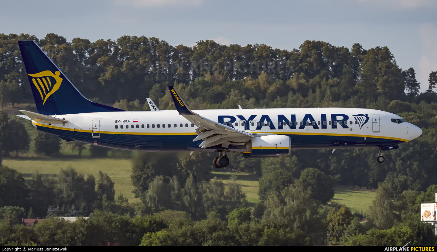 Ryanair Sun SP-RKQ aircraft at Kraków - John Paul II Intl