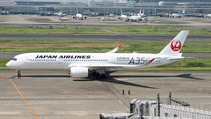 JS02XJ - JAL - Japan Airlines Airbus A350-900