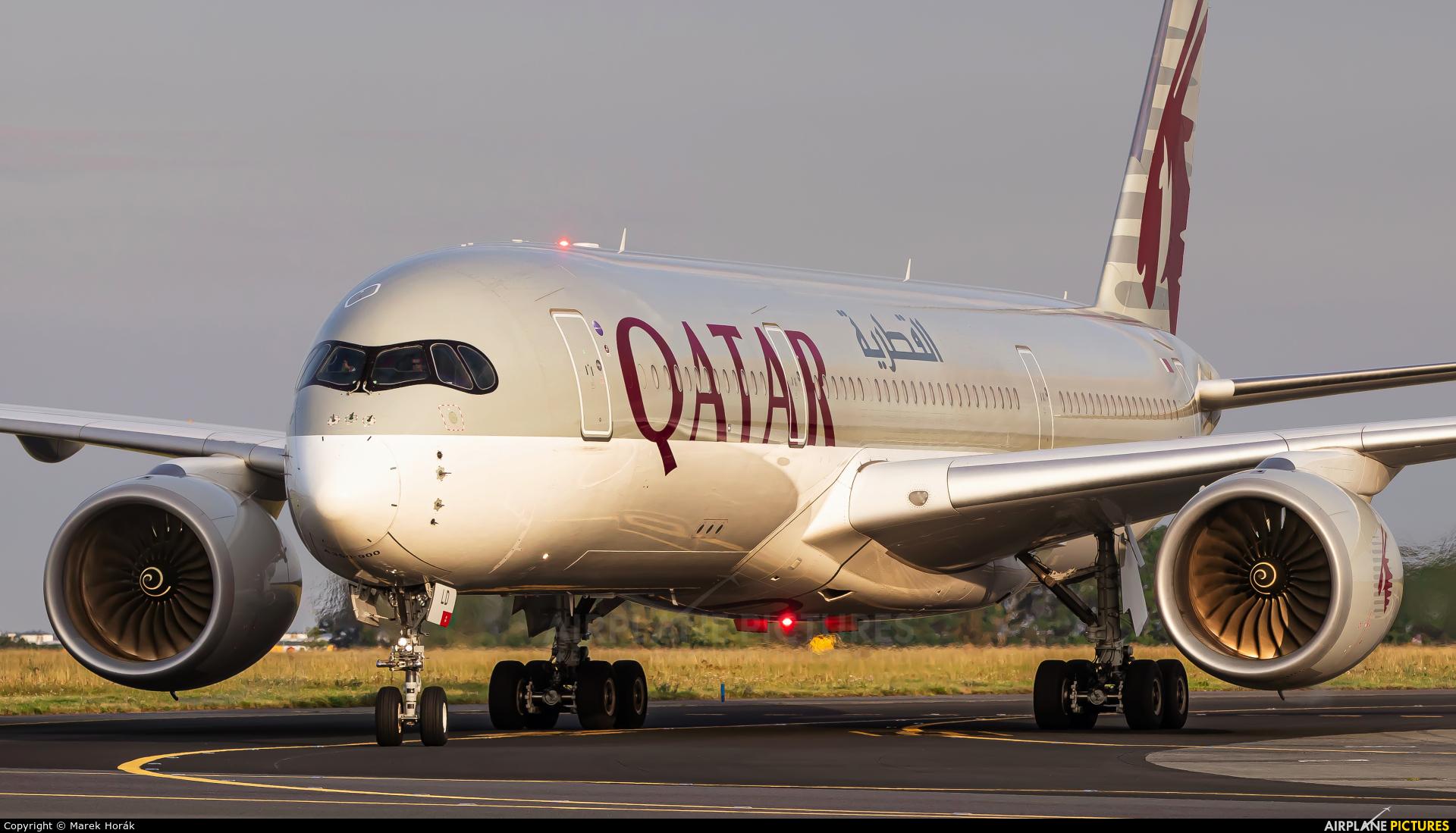 Qatar Airways A7-ALD aircraft at Prague - Václav Havel