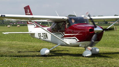 SP-DBM - Private Cessna 182T Skylane