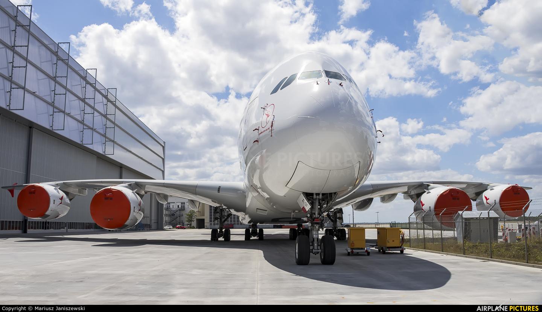 QANTAS VH-OQG aircraft at Dresden