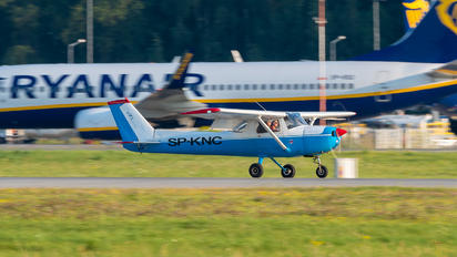 SP-KNC - Private Cessna 150