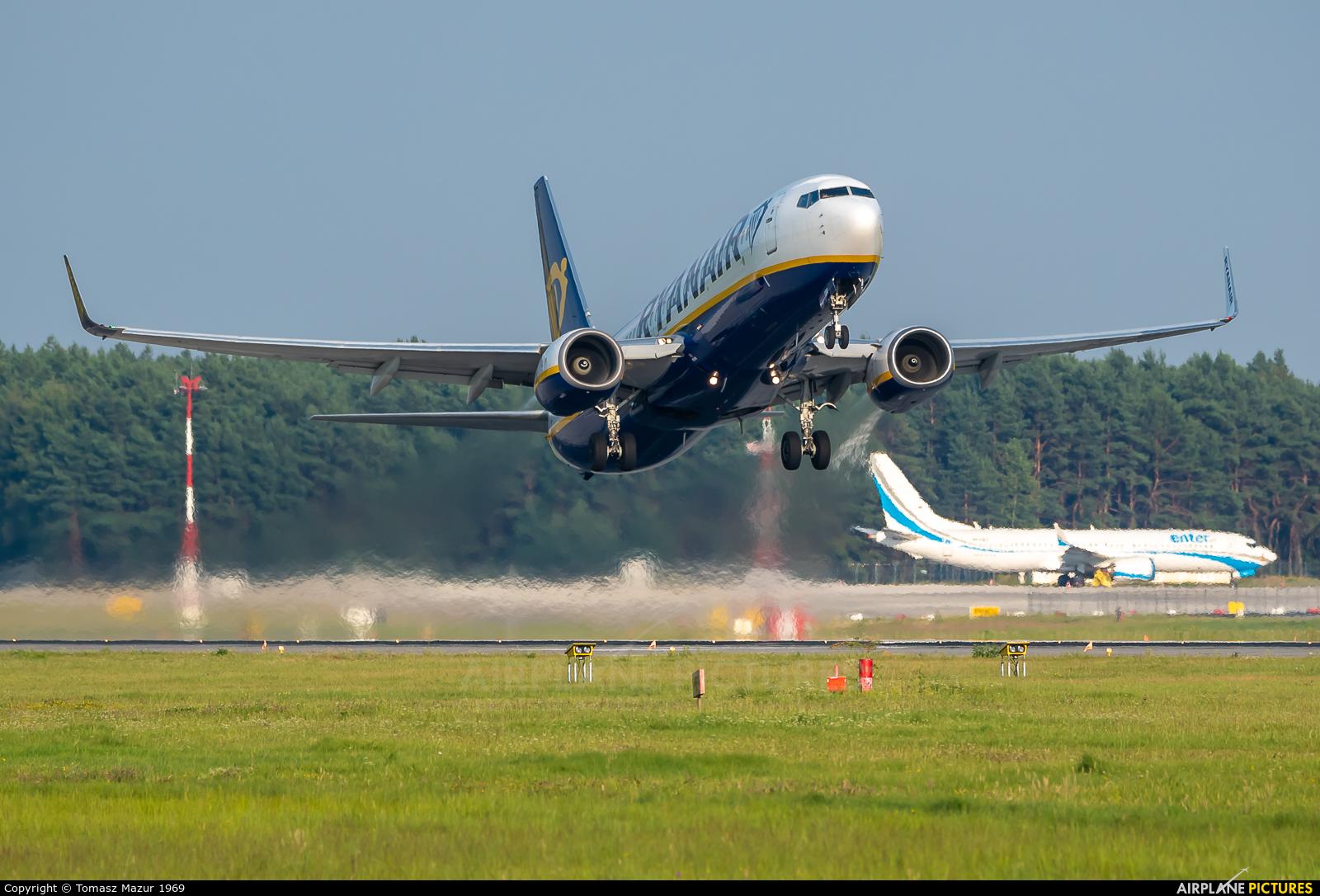 Ryanair EI-EBO aircraft at Katowice - Pyrzowice