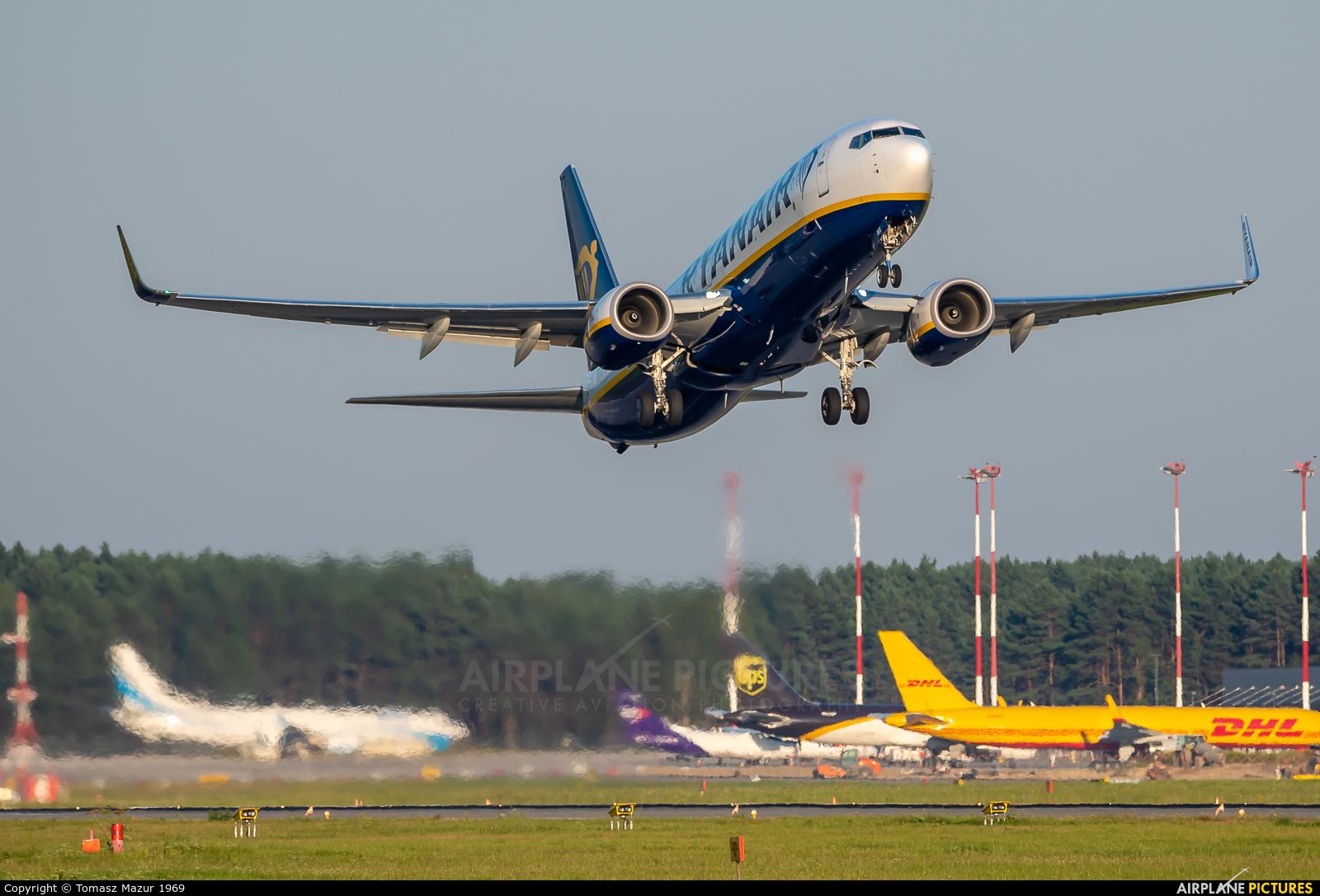 Ryanair Sun SP-RKG aircraft at Katowice - Pyrzowice