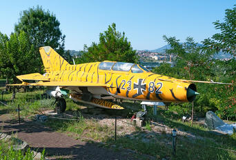 23+82 - Germany - Air Force Mikoyan-Gurevich MiG-21UM