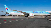 HL7208 - Korean Air Boeing 787-9 Dreamliner aircraft