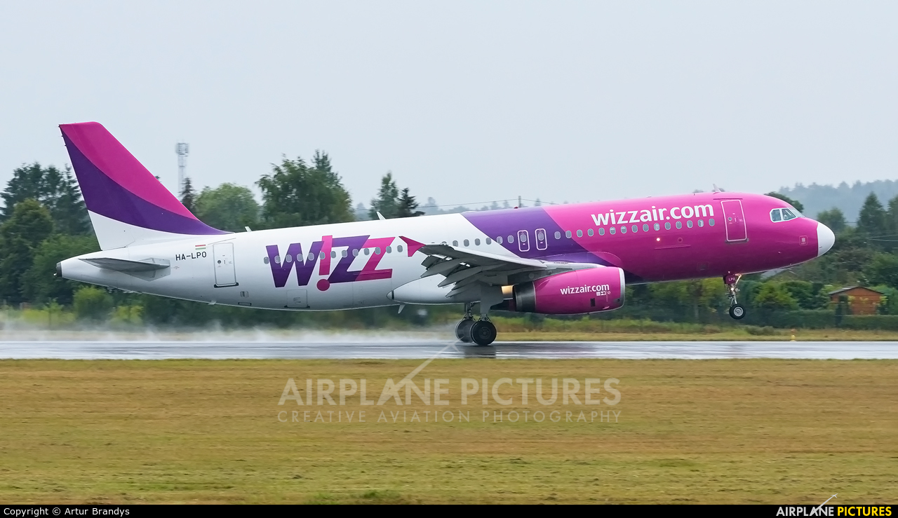 Wizz Air HA-LPO aircraft at Gdańsk - Lech Wałęsa