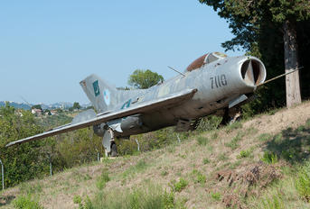 7110 - Pakistan - Air Force Mikoyan-Gurevich MiG-19PM