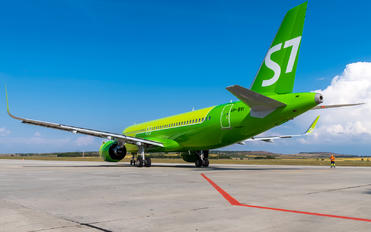 VP-BVI - S7 Airlines Airbus A320 NEO