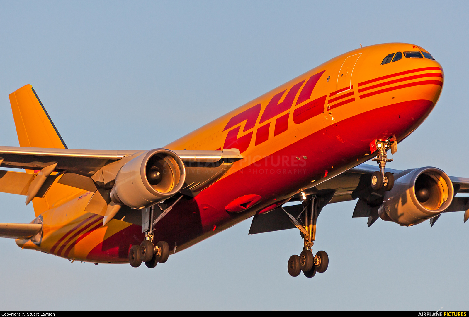 DHL Cargo D-AEAL aircraft at East Midlands