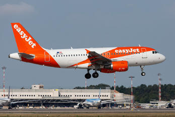 OE-LKC - easyJet Europe Airbus A319