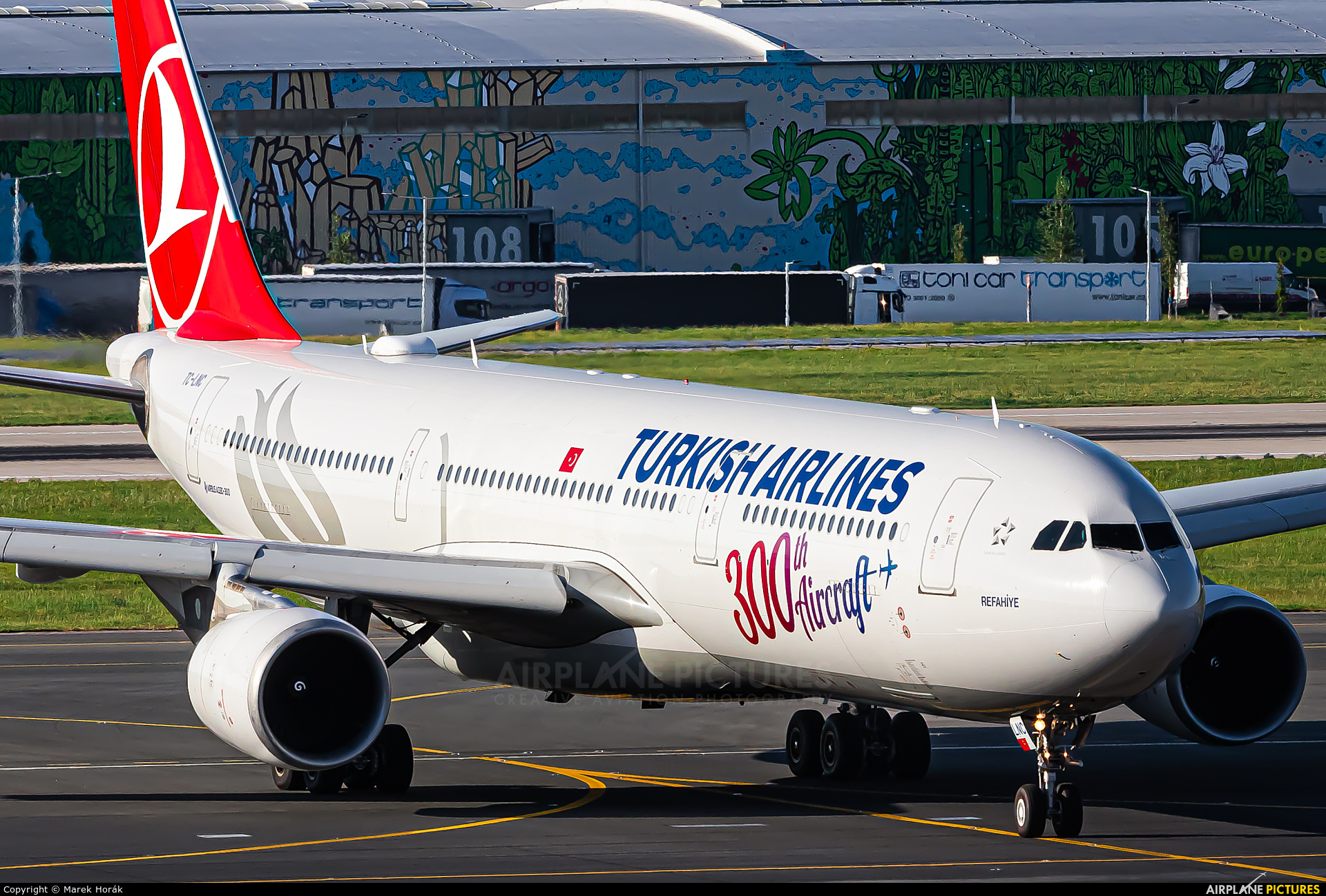 Turkish Airlines TC-LNC aircraft at Prague - Václav Havel