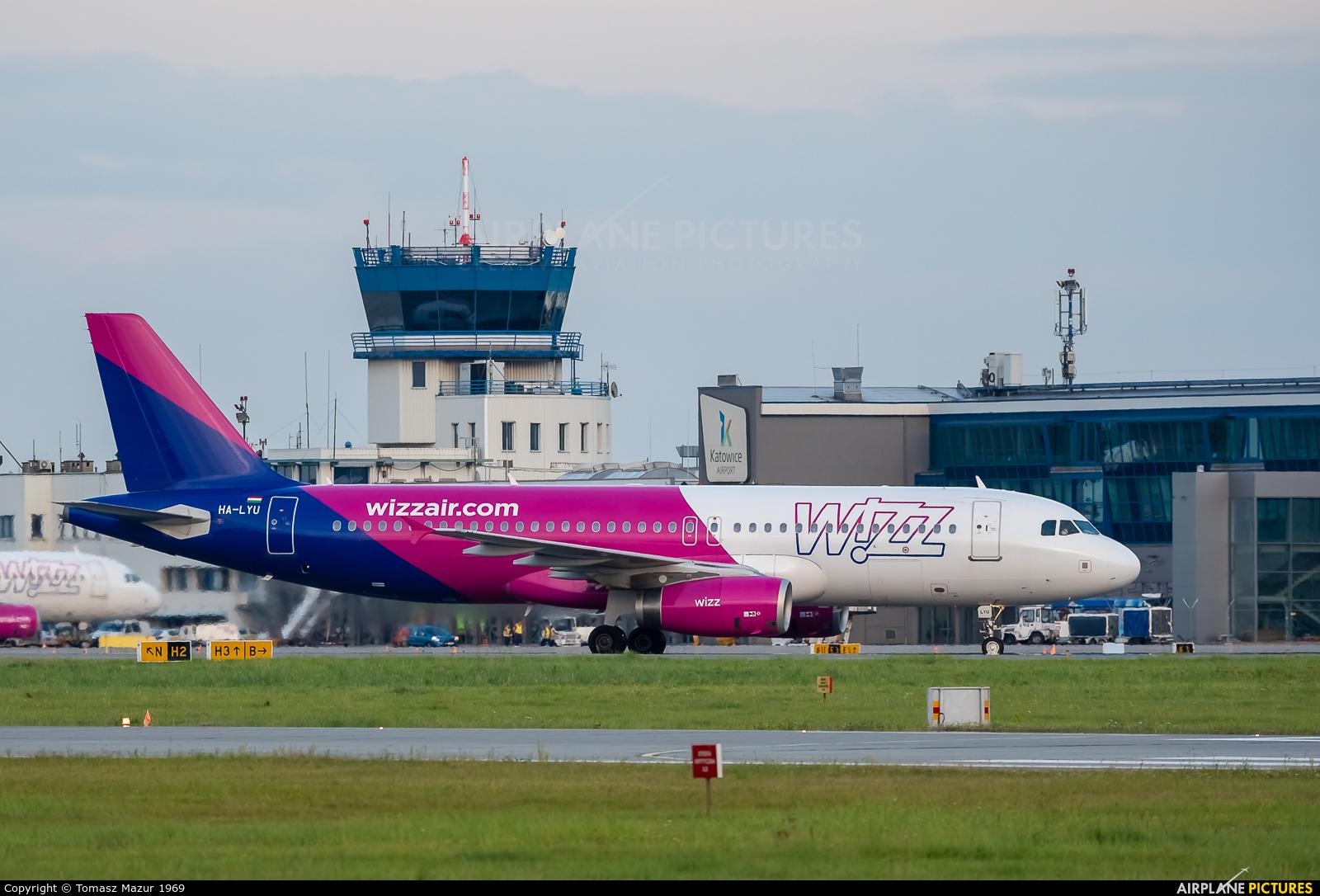 Wizz Air HA-LYU aircraft at Katowice - Pyrzowice