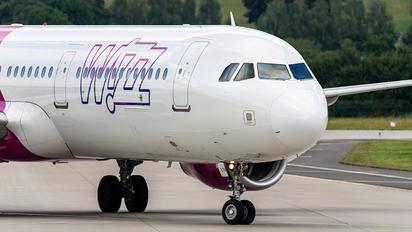 HA-LTA - Wizz Air Airbus A321