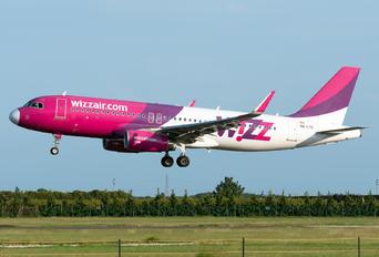 HA-LYC - Wizz Air Airbus A320