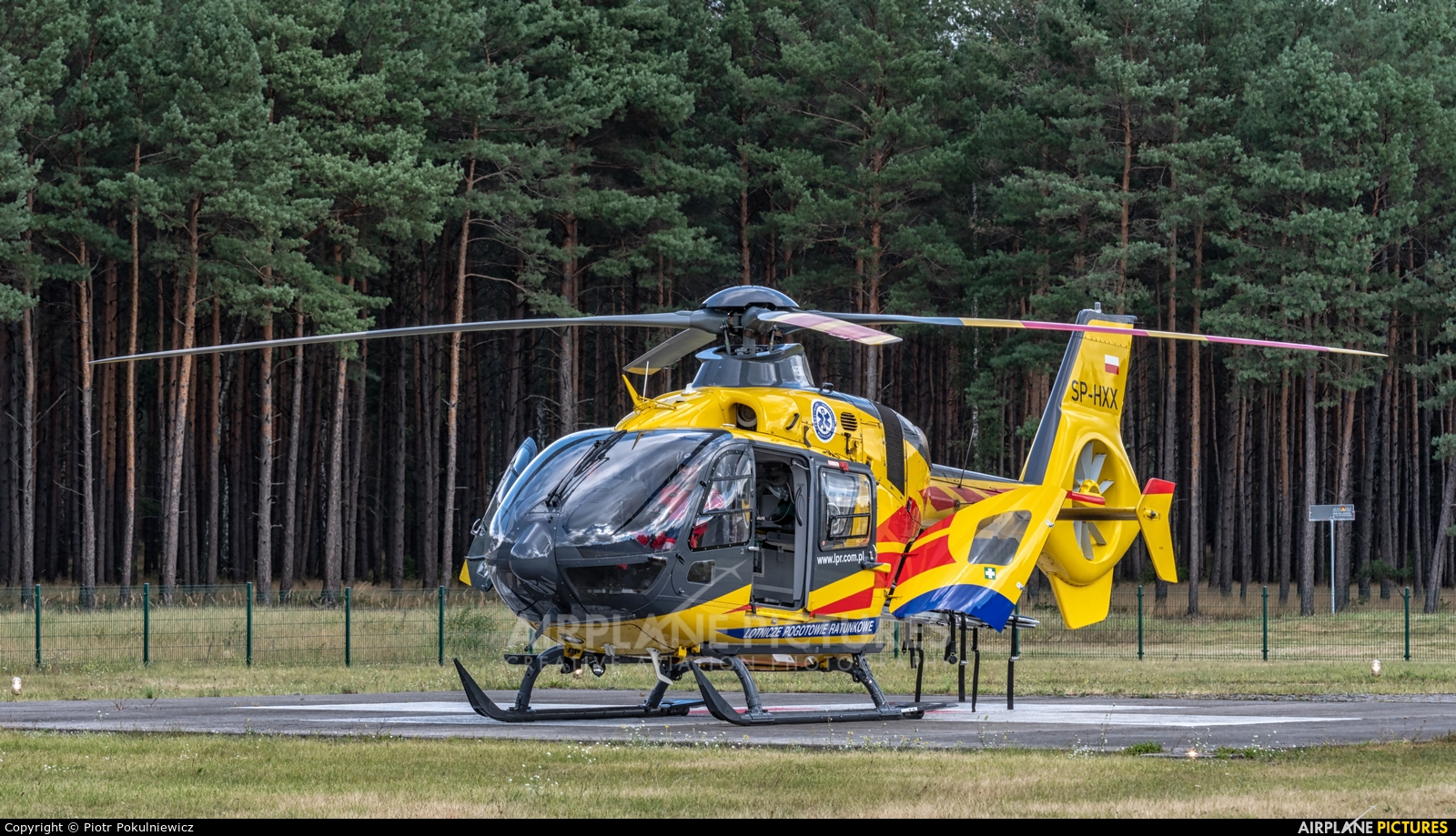 Polish Medical Air Rescue - Lotnicze Pogotowie Ratunkowe SP-HXX aircraft at Piła