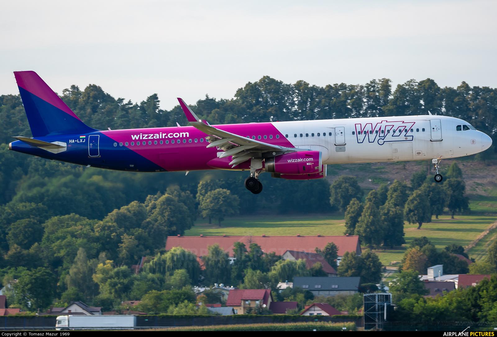 Wizz Air HA-LXJ aircraft at Kraków - John Paul II Intl