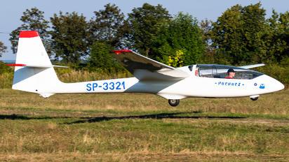 SP-3321 - Aeroklub PLL LOT PZL SZD-50 Puchacz