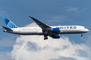 N29978 - United Airlines Boeing 787-9 Dreamliner