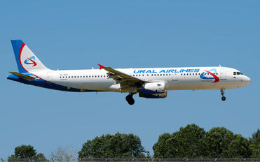 VQ-BGX - Ural Airlines Airbus A321