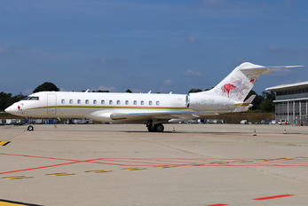 ZS-TDF - Private Bombardier BD-700 Global 6000