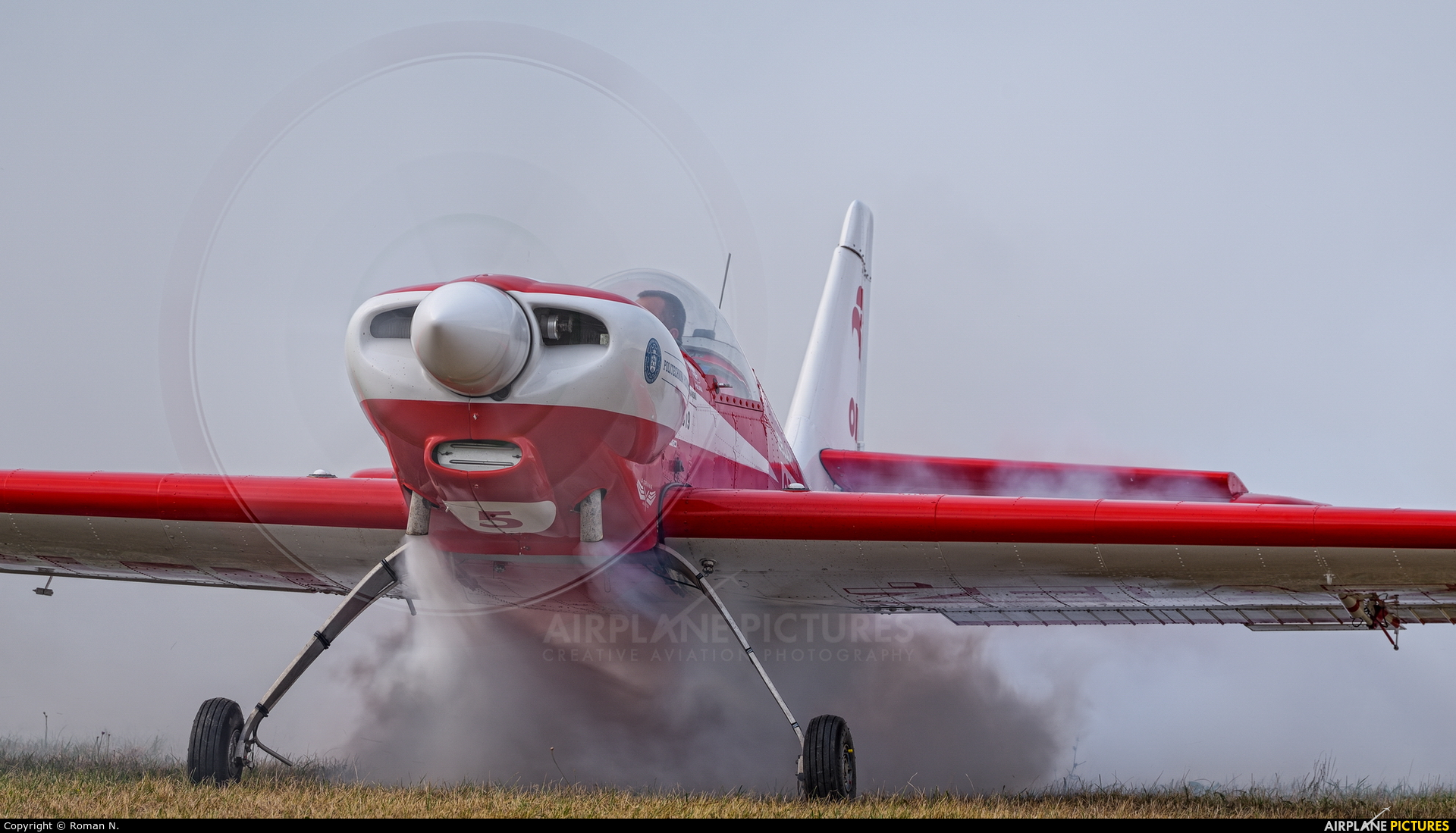 Grupa Akrobacyjna Żelazny - Acrobatic Group SP-AUE aircraft at Leszno - Strzyżewice