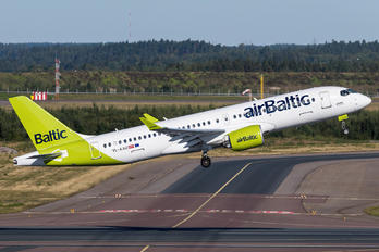 YL-AAU - Air Baltic Airbus A220-300