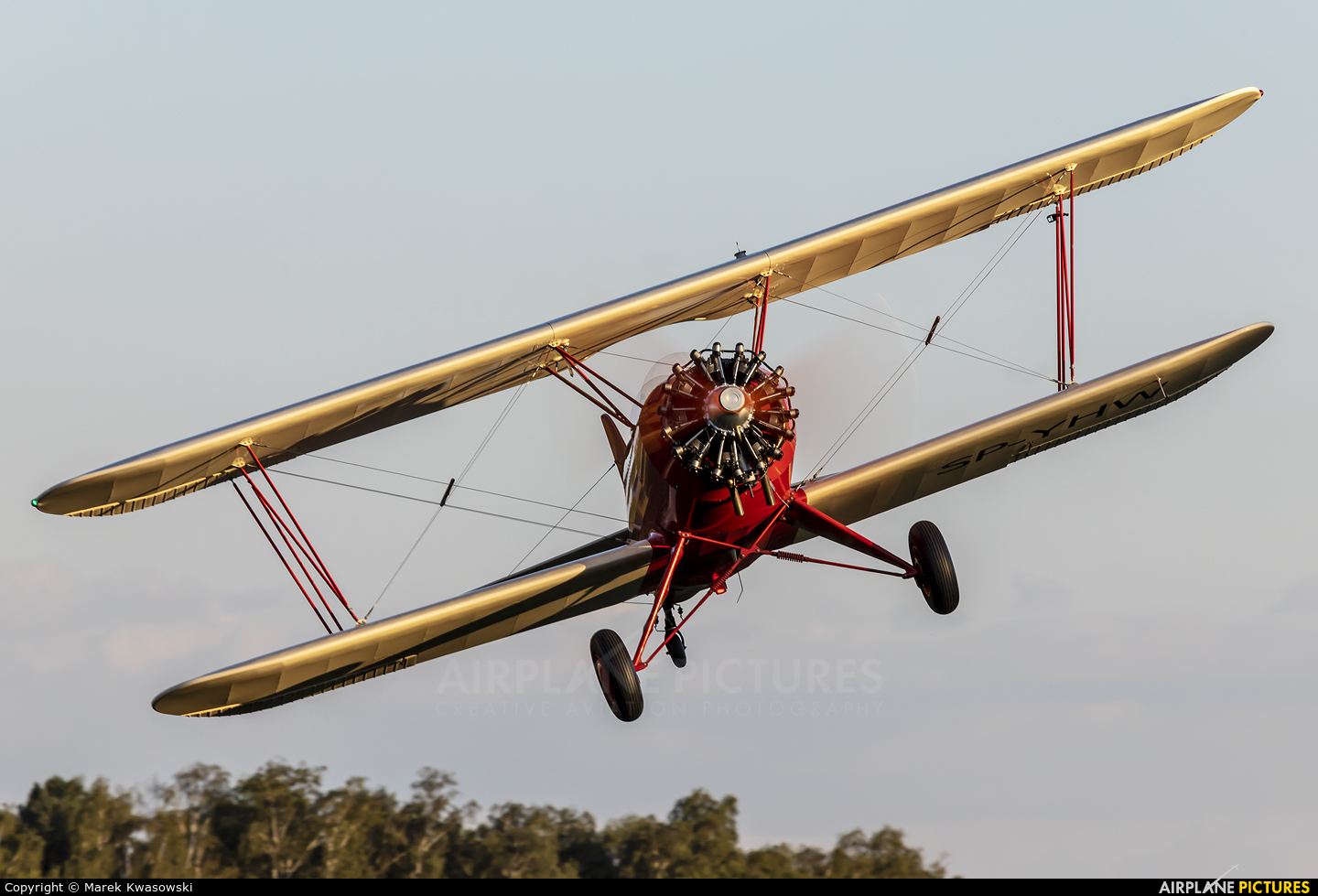 Private SP-YHW aircraft at