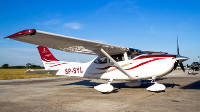 SP-SYL - Private Cessna 182T Skylane