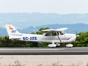 EC-JZE - Real Aero Club de Lugo Cessna 172 Skyhawk (all models except RG)