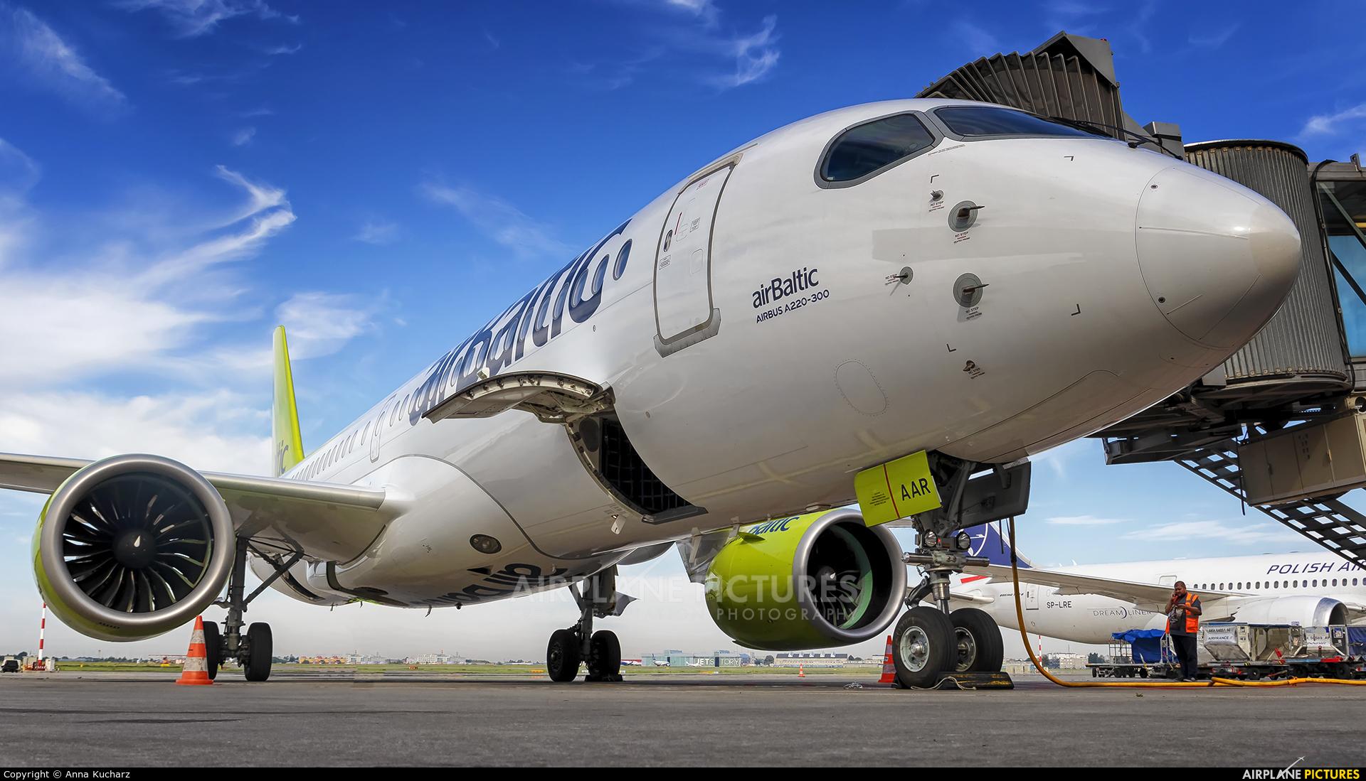 Air Baltic YL-AAR aircraft at Warsaw - Frederic Chopin