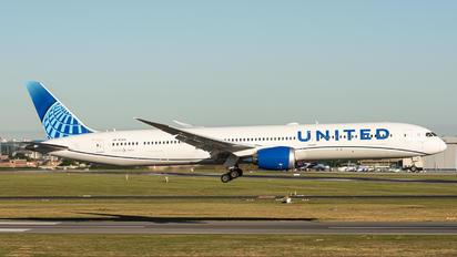 N12010 - United Airlines Boeing 787-10 Dreamliner