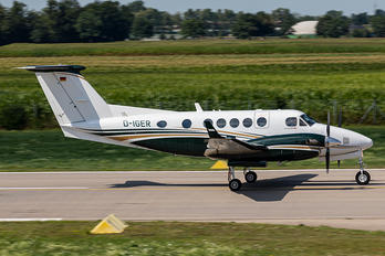 D-IGER - Private Beechcraft 250 King Air