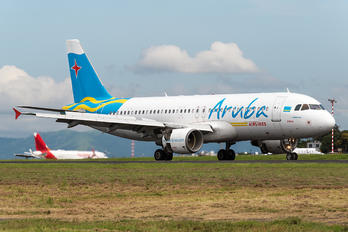 P4-AAH - Aruba Airlines Airbus A320