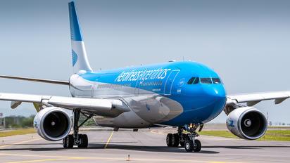 LV-GKP - Aerolineas Argentinas Airbus A330-200