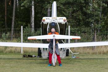 SP-4016 - Private Glaser-Dirks DG-100