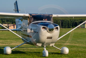 SP-CPT - Private Cessna 182 Skylane (all models except RG)
